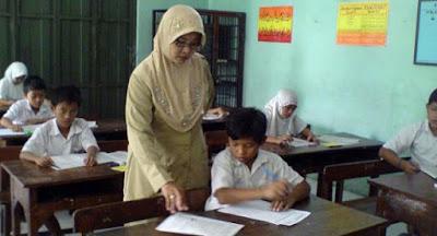 Kemendikbud Mengizinkan Guru Mengikuti UKG Susulan