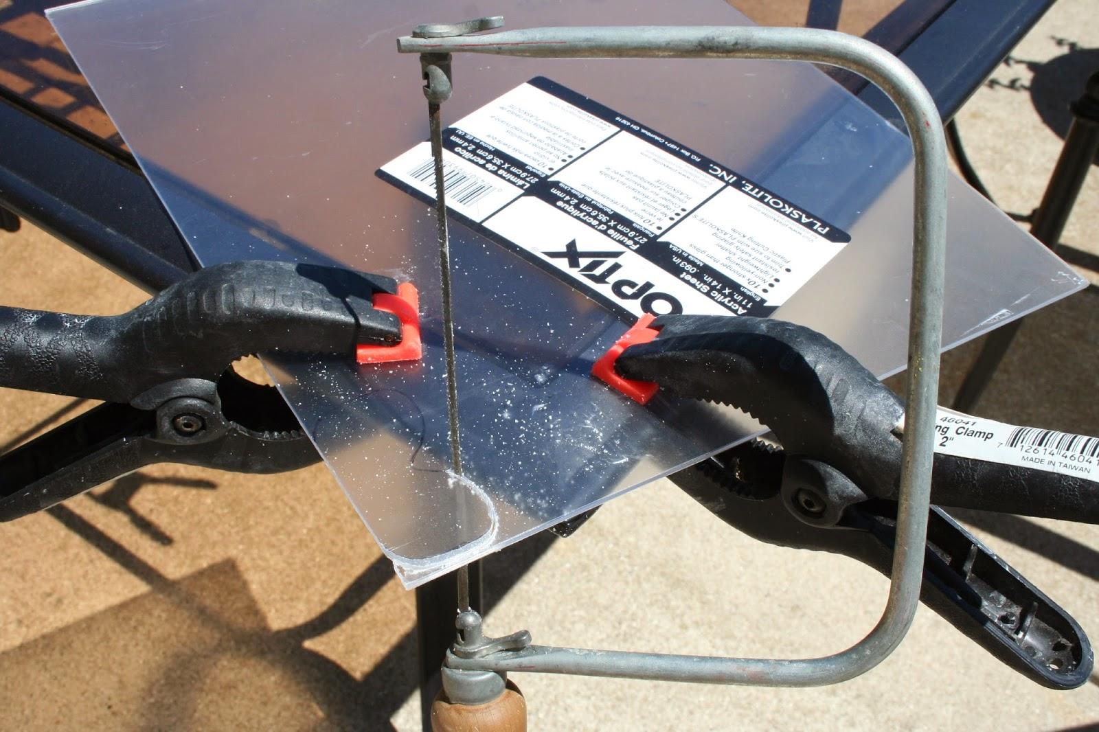 how to cut plexiglass with a saw