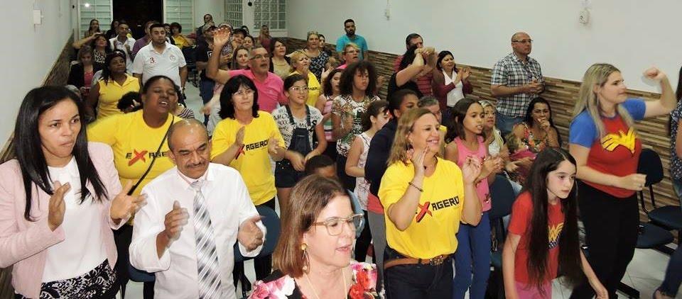 """""""A ALEGRIA DO SENHOR É A NOSSA FORÇA"""""""