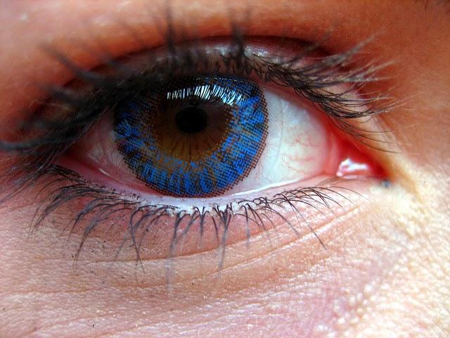 tips sehat memakai lensa kontak