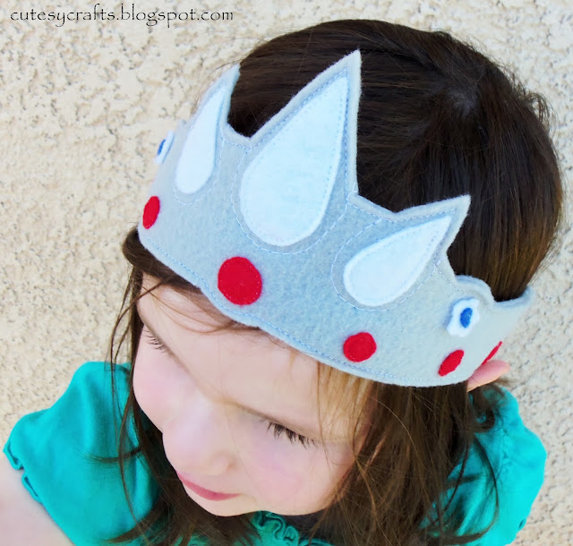 Felt Princess Crowns by Cutesy Crafts