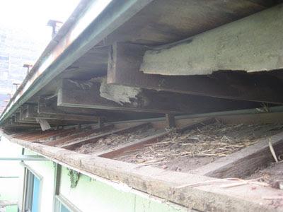 東京都府中市 屋根修理 軒天 破風板 雨樋 設置 工事 破風板撤去 軒天解体