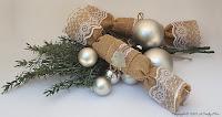 http://acraftymix.com/blog/2015/12/07/festive-burlap-crackers/