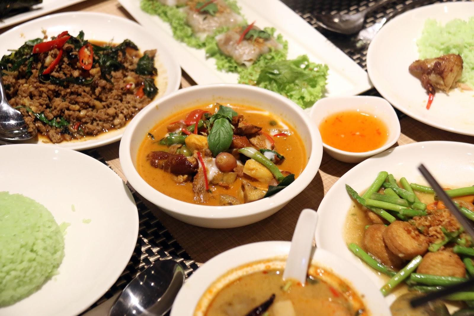 Paradise group presents parathai first venture in for Authentic thai cuisine