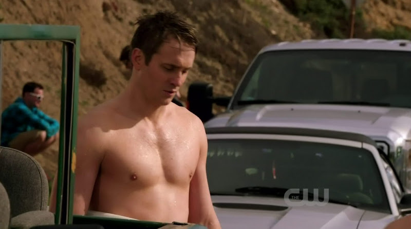 Robert Hoffman Shirtless in 90210 s4e21