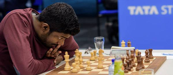Dans le tournoi des Challengers, le joueur d'échecs indien Baskaran Adhiban a démoli le co-leader Alexey Dreev en 24 coups sur une prépa maison !