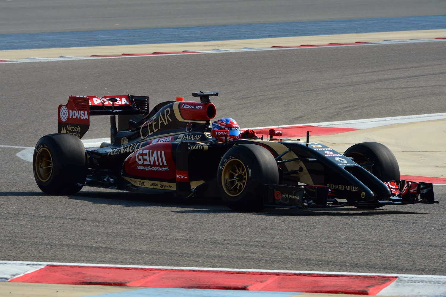 2014 cars lotus f1 uncovered e22 innovative direction
