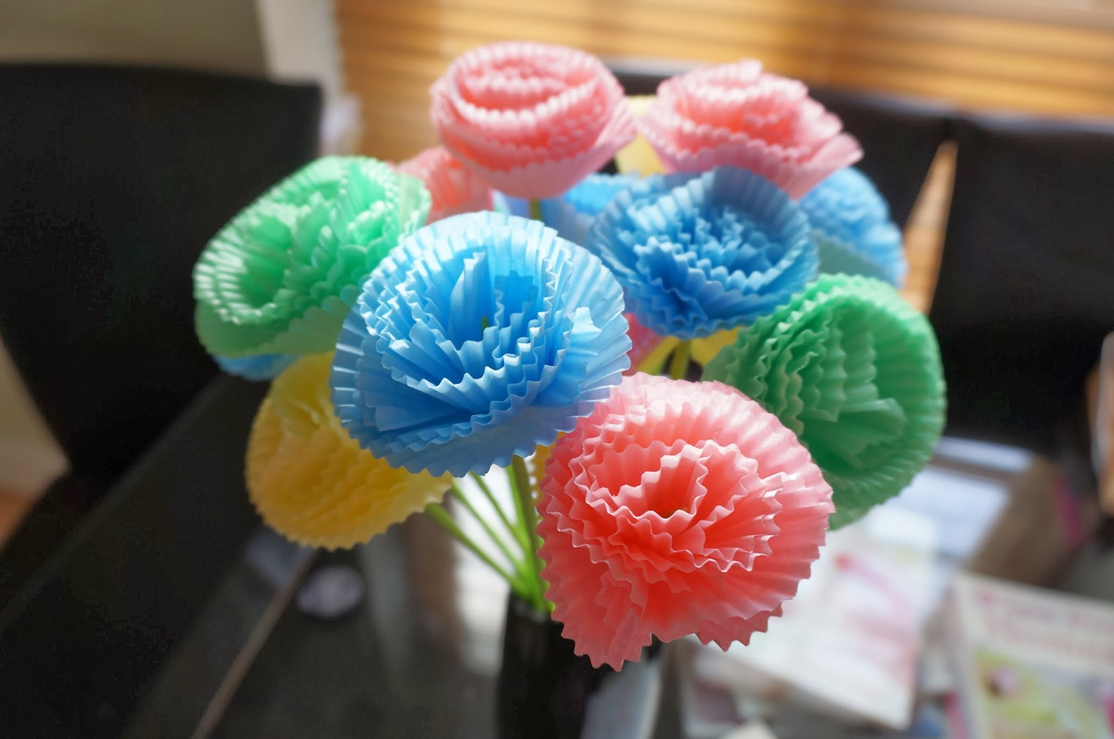 Sew Pretty Witty : Craft time: rosettes and cupcake paper flowers