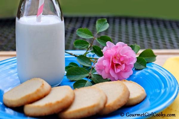 almond-flour-shortbread-cookies