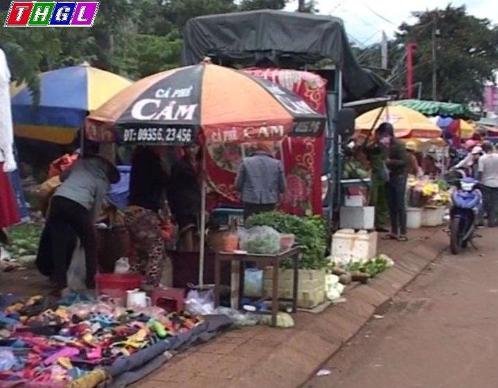 TP. Pleiku: Chợ tự phát - Vấn đề nan giải
