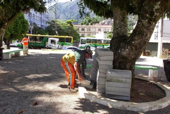 Blocos de concreto serão usados para montagem da infraestrutura para instalação dos aparelhos de ginástica