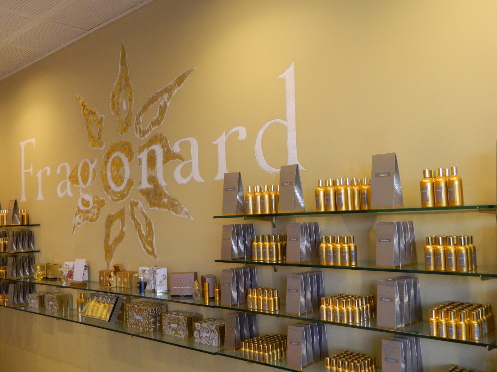 Fashion in traveling fragonard parfumeur shopping - Fragonard boutiques paris ...