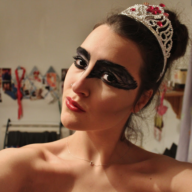 halloween costume black swan