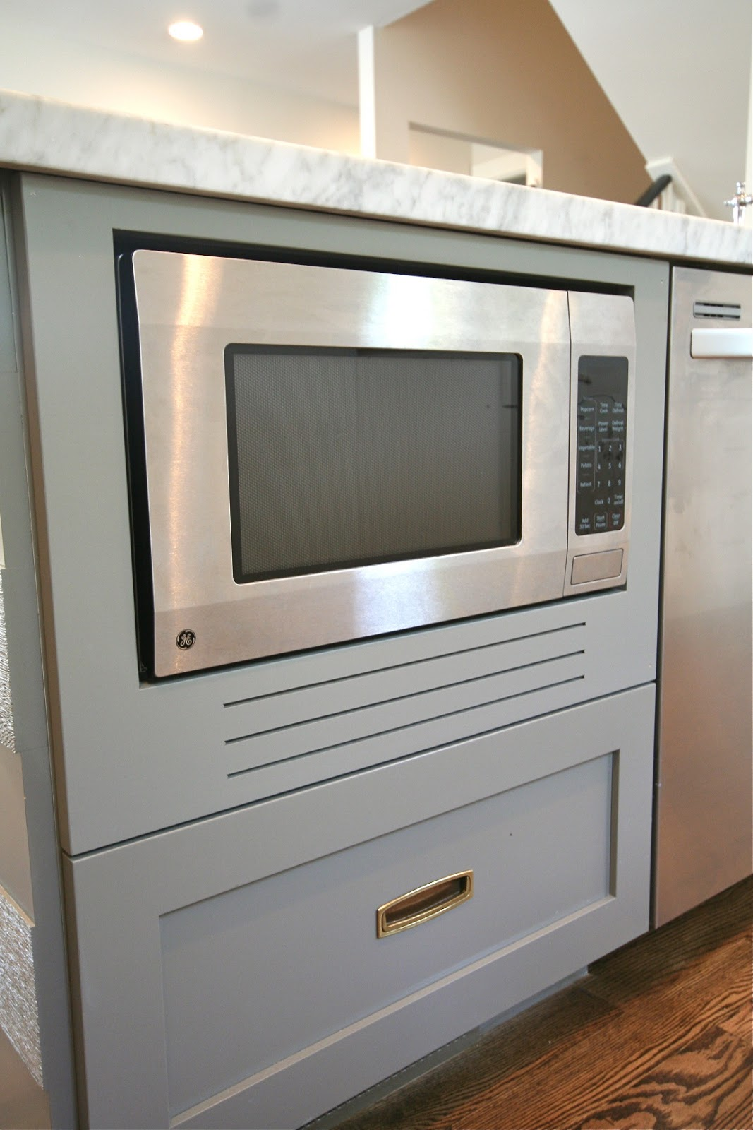 Countertop Microwave To Built In : design dump: how to fake a built-in microwave