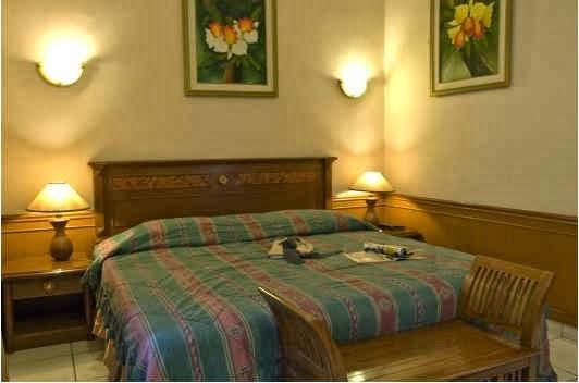 Kamar Standar Single Hotel Guci