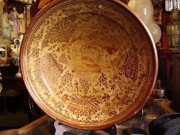 Plato en cerámica valenciana de reflejo metalico