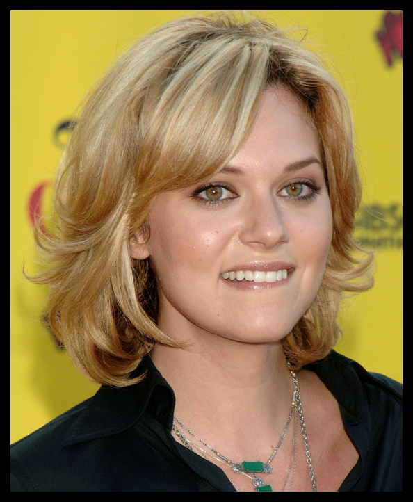 Hilarie burton style dresses hairstyles celebrities pictures Labels red hair red hair styles red hairstyles
