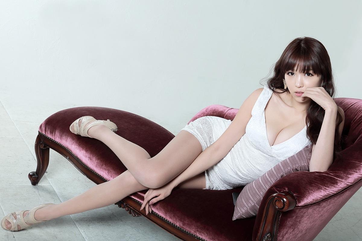Sexy lee eun hye white dress