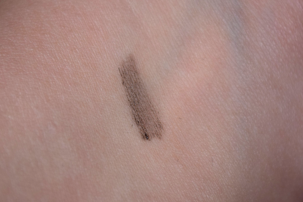 Benefit Gimme Brow Medium/Deep Review - Swatch