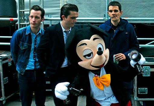 mustang lescop mickey festival soirs ete republique backstage live concert paris