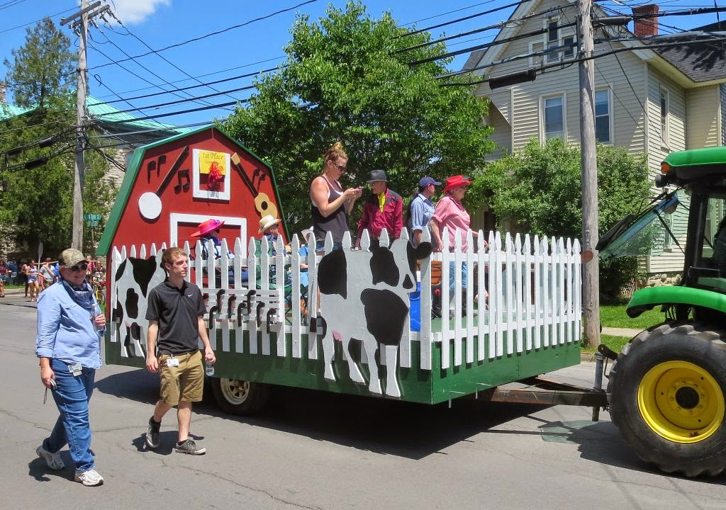Windswept adventure st lawrence county dairy princess for Princess float ideas