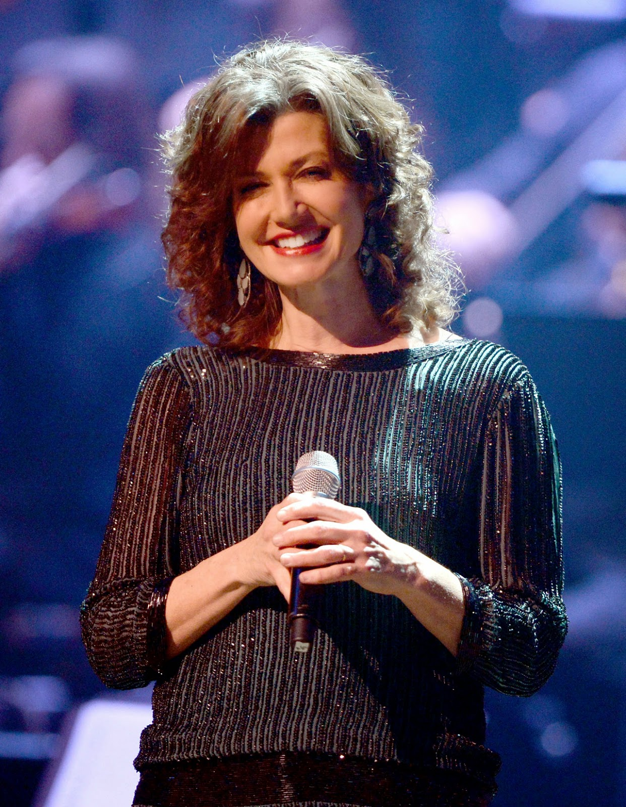 Amy-Grant---Be-Still-and-Know...-Hymns-&-Faith-2015-Biography-and-History