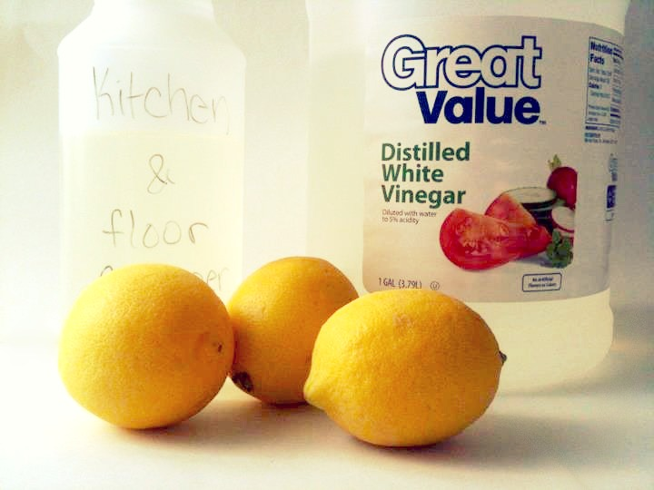 Beautiful somehow natural and frugal bathroom cleaning for Natural cleaning products for bathroom