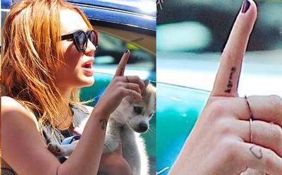 En julio del 2011, se tatuó la palabra Karma en el lado de su dedo índice. El karma significa que si eres buena persona te pasaran cosas buenas,