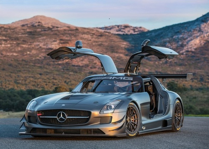 Sport car garage mercedes benz sls amg gt3 45th for Sports car mercedes benz