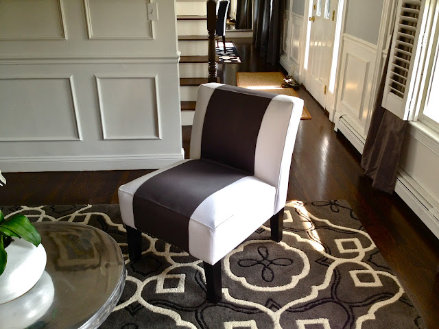 http://www.southshoredecoratingblog.com/2012/08/how-i-fixed-up-my-living-room-for.html