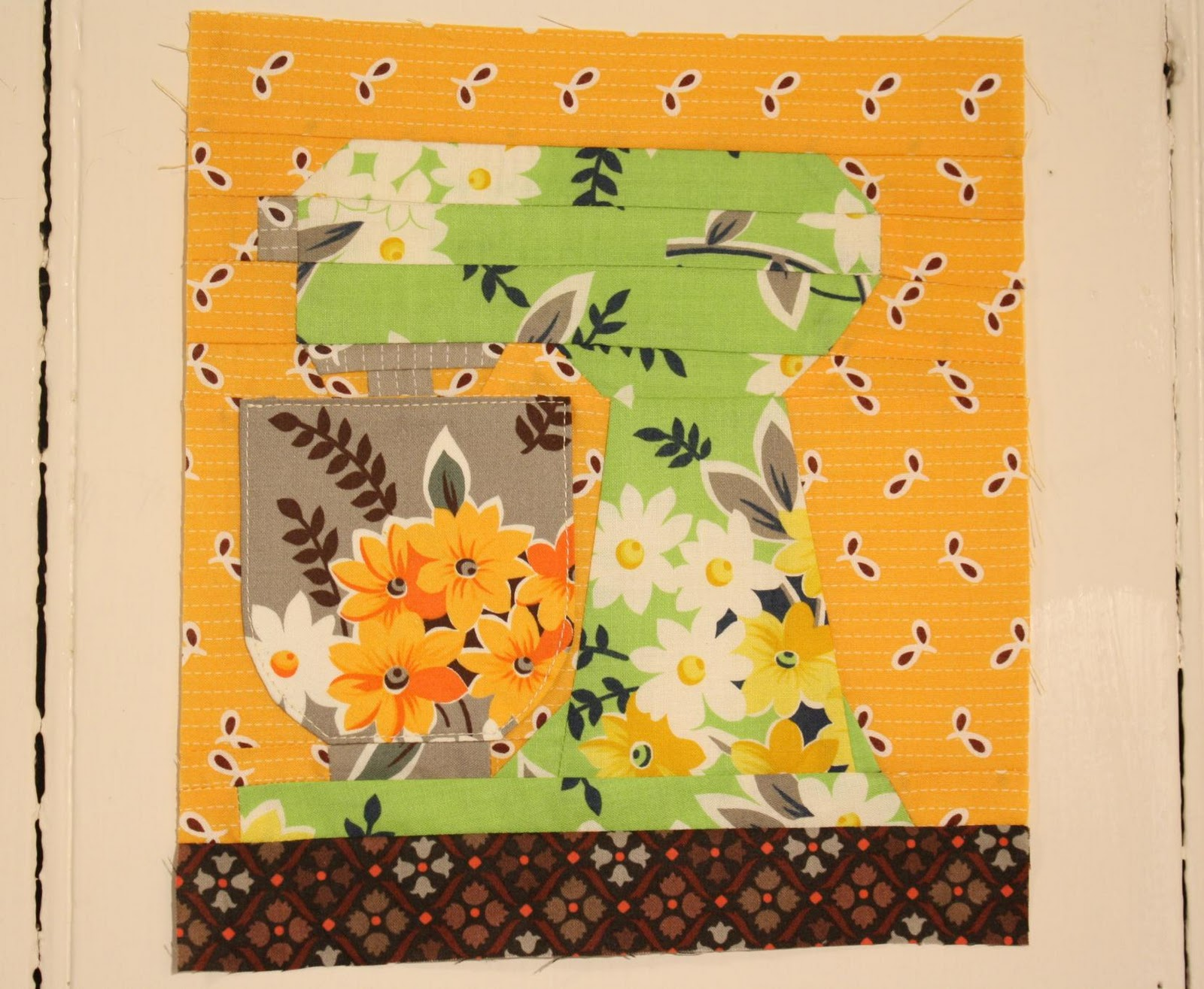 Why not sew paper pieced kitchen aid mixer pattern for Kitchen quilting ideas