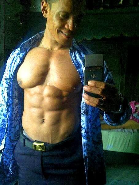 Rian-Anton-Polisi-Hot-Muscle-Sixpack