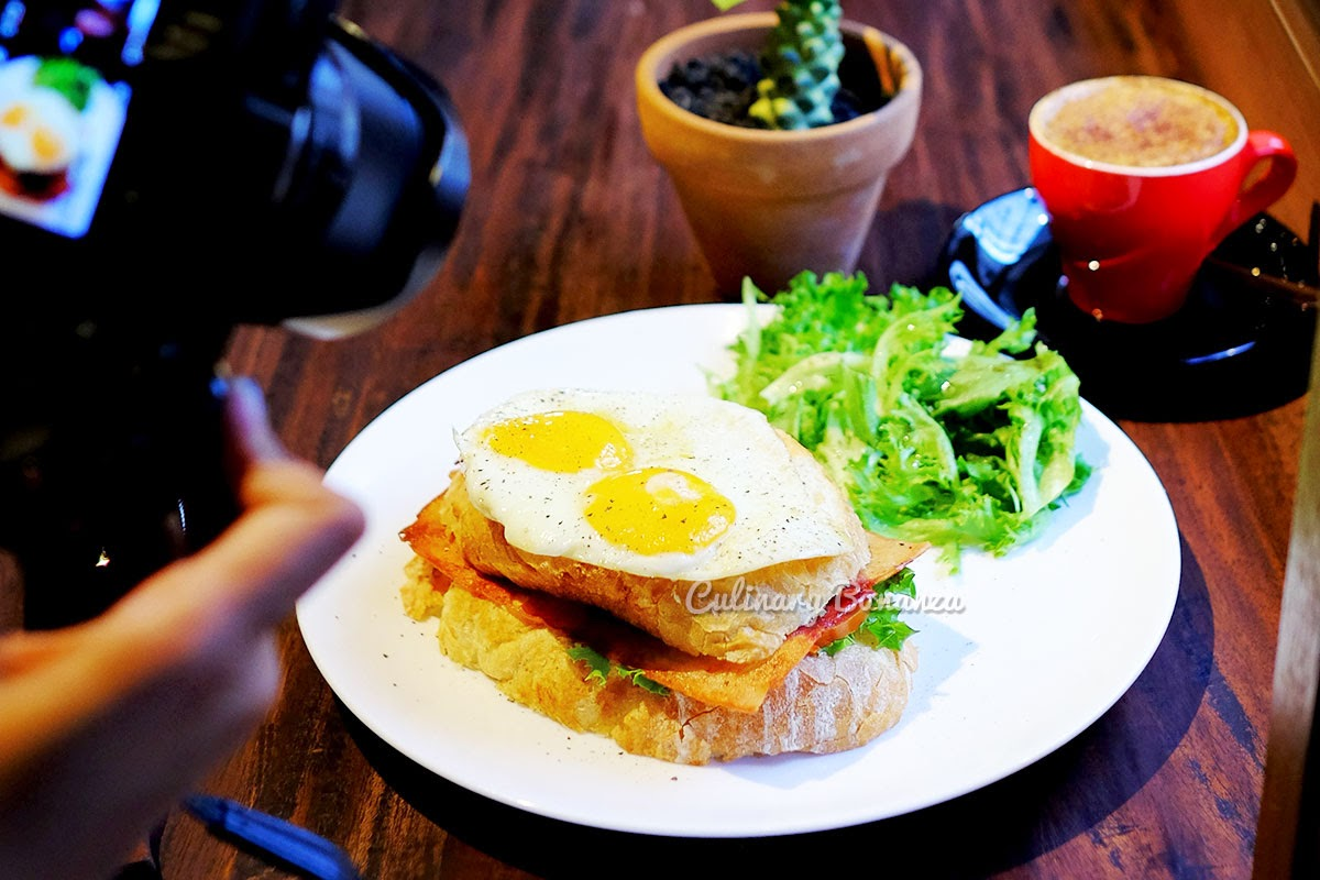 Croque Madame at Blue Doors Coffee Bandung (www.culinarybonanza.com)