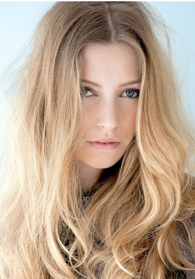 Trendy Ways to Style Long Hair For Winter+ Hair by Estetica
