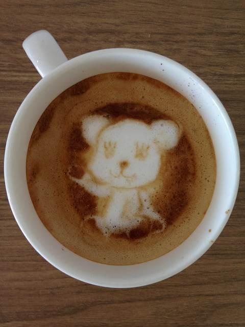seni-kopi-latte-momo-the-postpet