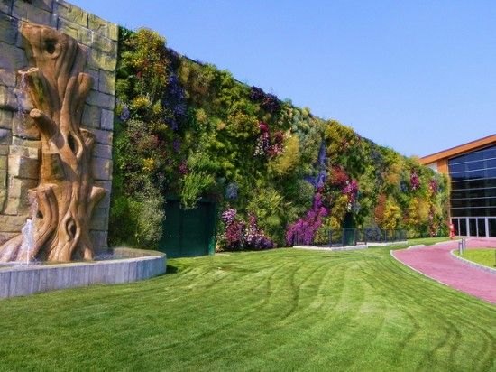 Taman Vertikal Terindah Di Dunia [ www.BlogApaAja.com ]