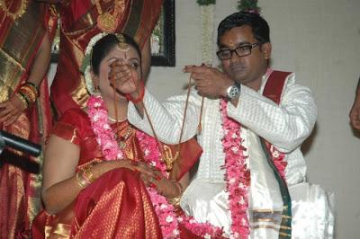 Director Selvaraghavan and Geethanjali Wedding Stills release images