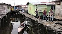 perkampungan air di perairan Sabah