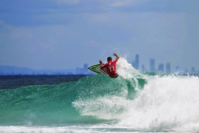 31 Quiksilver Pro Gold Coast 2015 Filipe Toledo Foto WSL Kelly Cestari