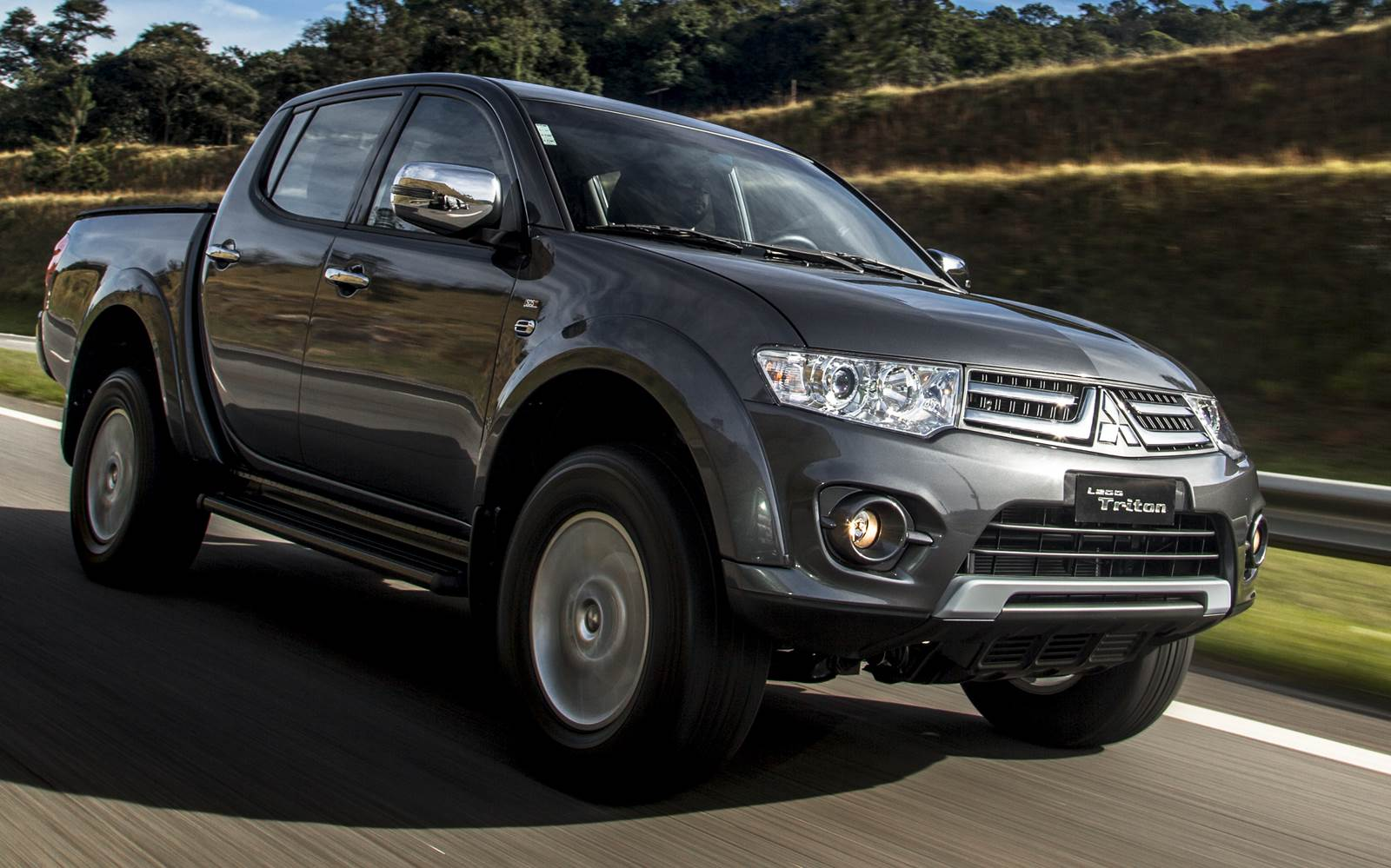 mitsubishi l200 triton 2016 chrome edition pre o r car blog br. Black Bedroom Furniture Sets. Home Design Ideas