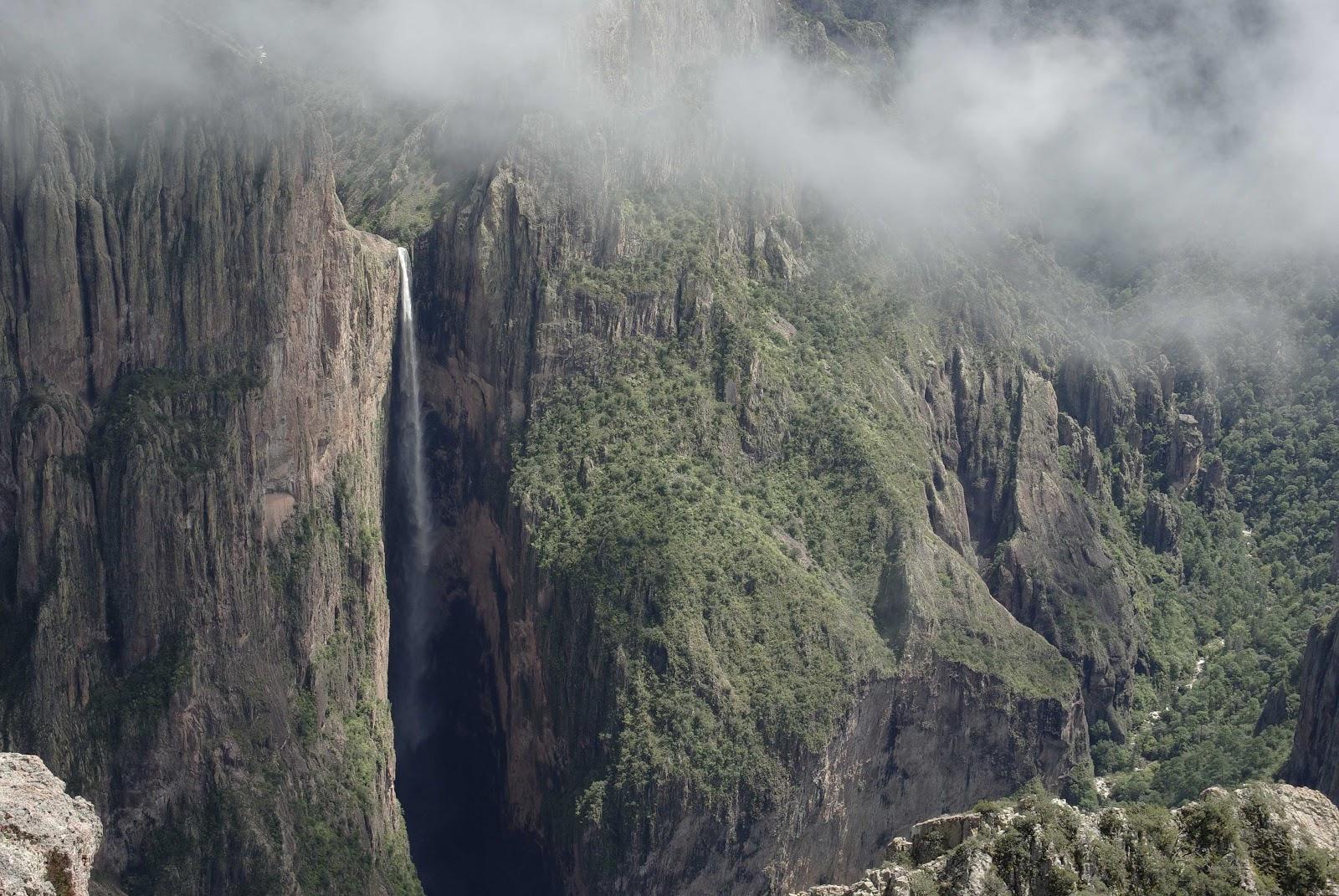 Cascada de piedra volada cataratas del mundo for Cascadas de piedra