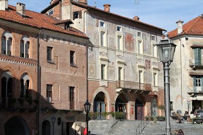 Sundial(s) 4 in Piazza Maggiore, Mondovì