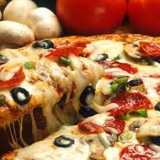 عمل البيتزا وكيفية تحضير البيتزا بجبنة المازرولا cheese pizza