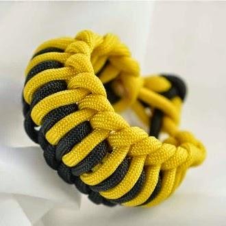 http://www.paracordguild.com/millipede-paracord-bracelet/