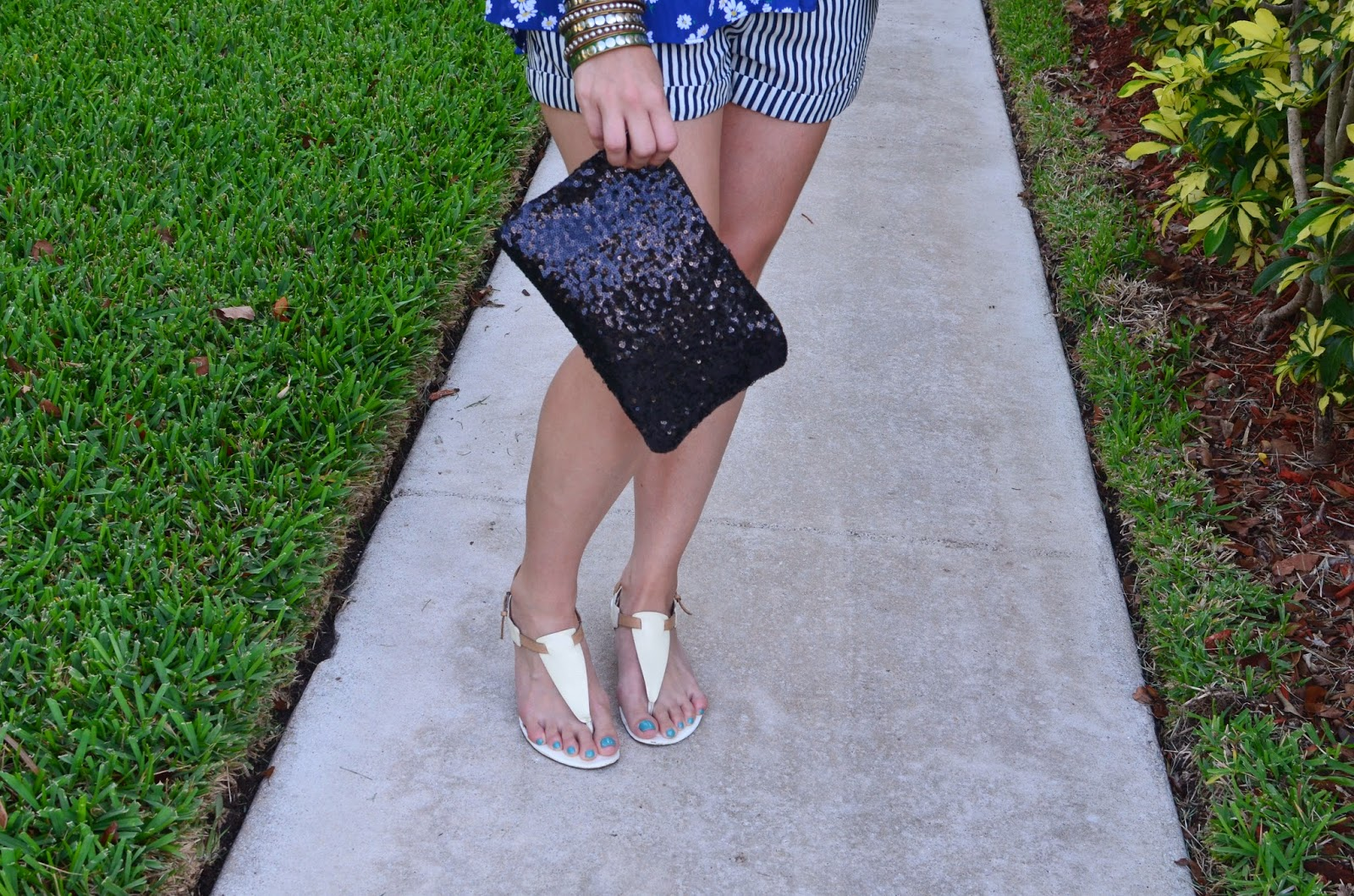 Striped shorts - floral top - Emma & Sophia - white sandals