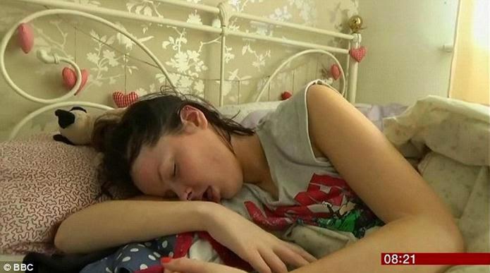 Спящая красавица голая фото