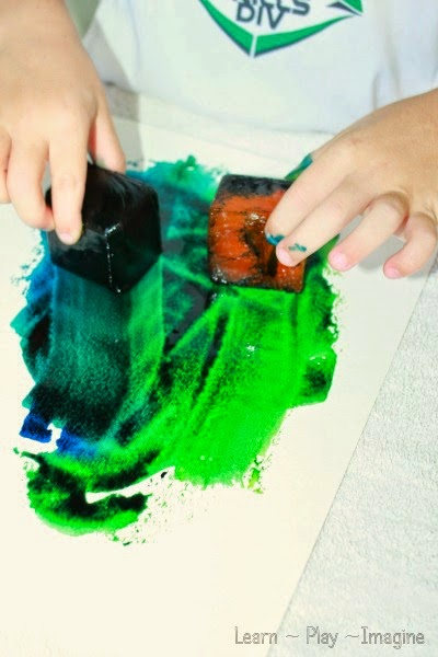 Frozen watercolors - combine art and science with this cool sensory activity