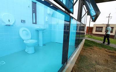 Public toilette at  Maestro Paulino Conservatory in Ponta Grossa - Paranà (Brasil)