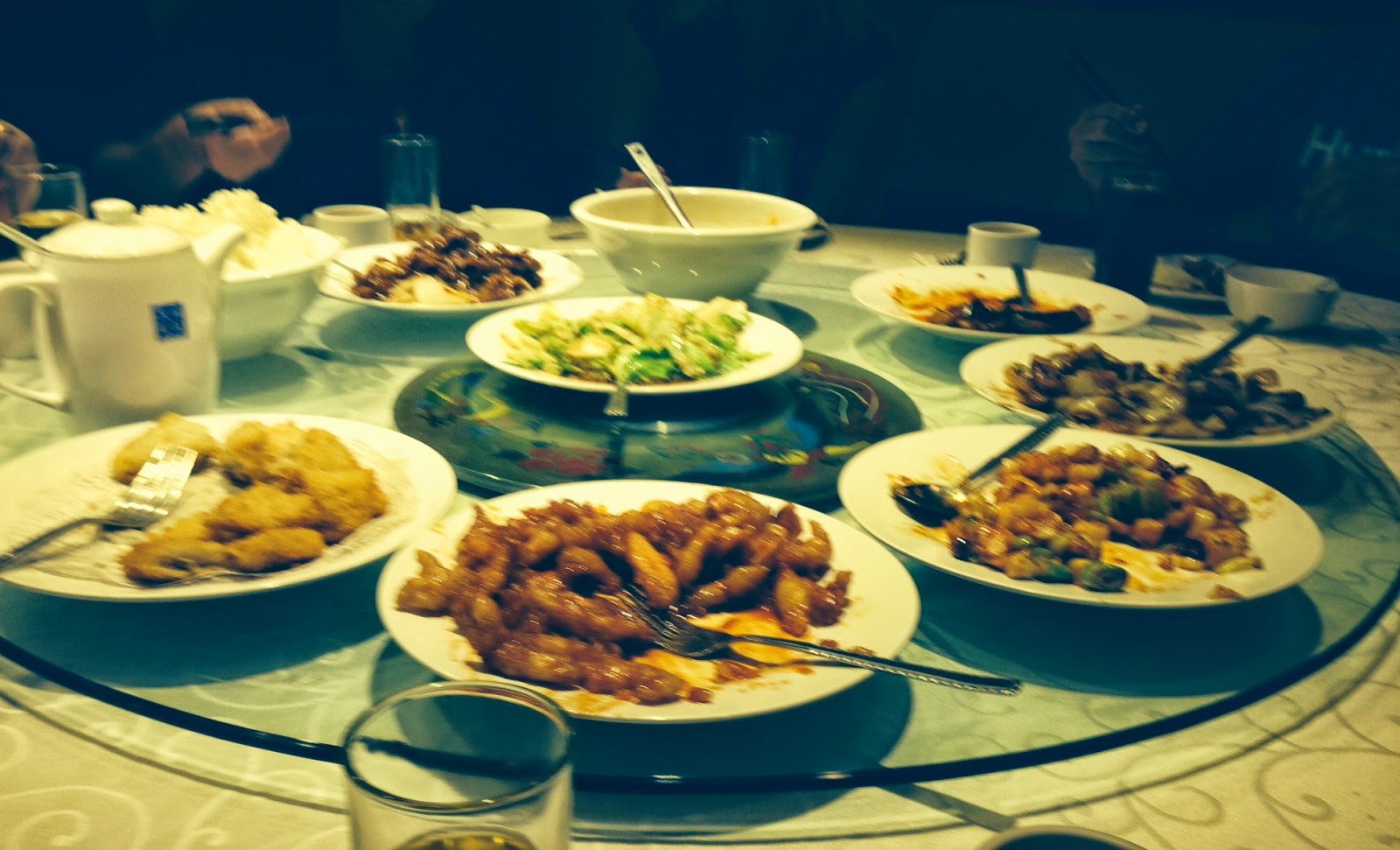 Chinese dining style - lazy susan