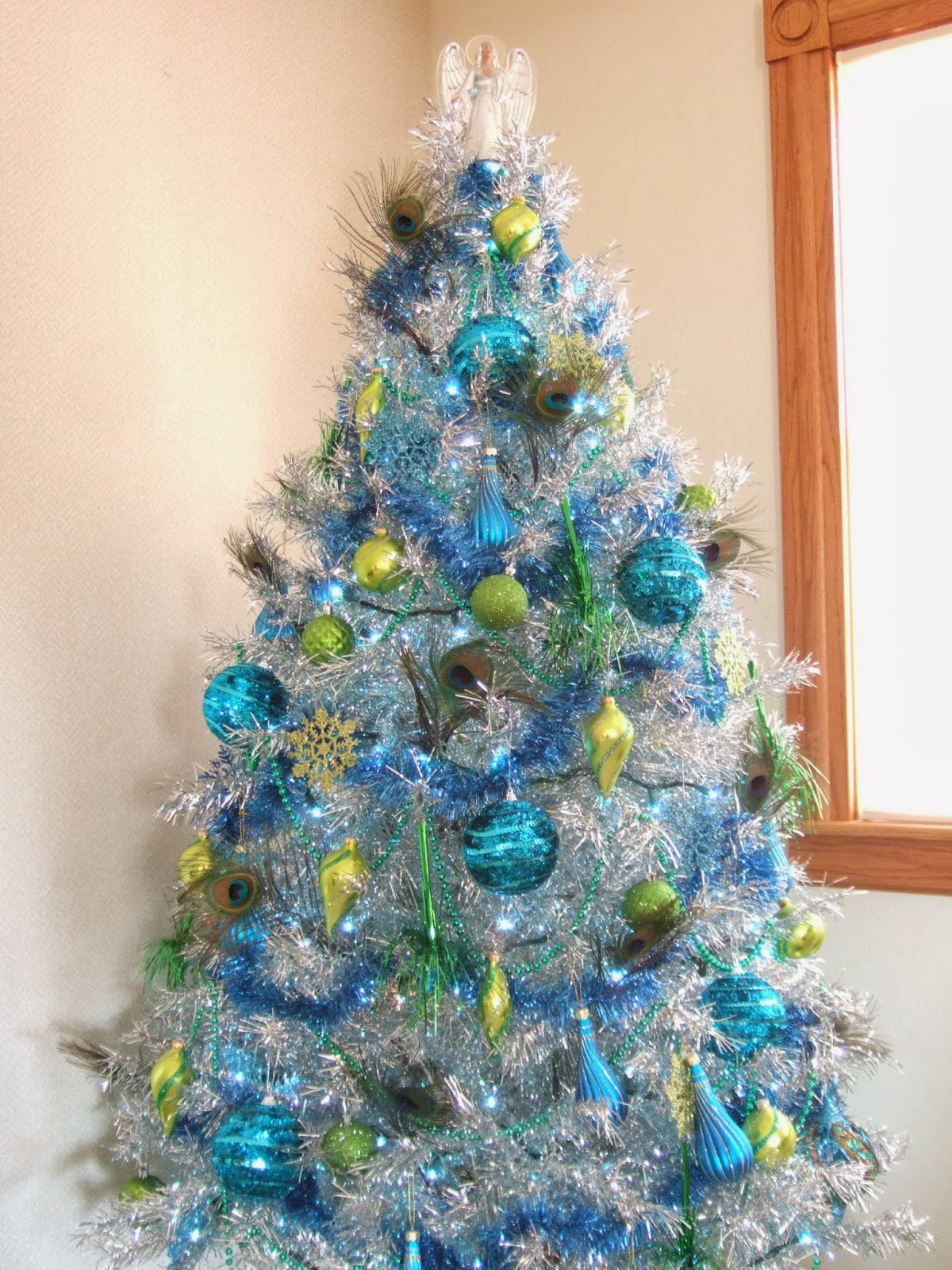 peacock christmas tinsel tree - Peacock Themed Christmas Tree